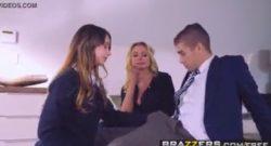 นักเรียนสาวและชายจับเย็ดหีกันเองอย่างกระทันหันทุกท่าสุดจริง